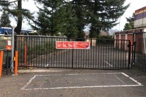 Image of Public Storage - Gresham - 2600 NW Burnside Court Facility on 2600 NW Burnside Court  in Gresham, OR - View 4