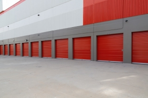 Public Storage - Los Angeles - 2300 Purdue Ave - Photo 2
