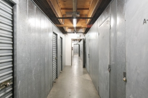 Public Storage - Los Angeles - 5941 Venice Blvd - Photo 2