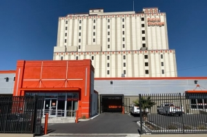 Public Storage - Los Angeles - 3636 Beverly Blvd
