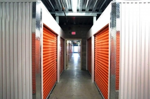 Public Storage - Los Angeles - 3636 Beverly Blvd - Photo 2