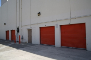 Picture of Public Storage - Los Angeles - 2703 Martin Luther King Blvd