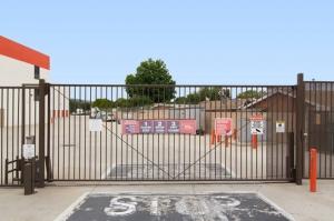 Public Storage - Montebello - 240 E Whittier Blvd - Photo 4