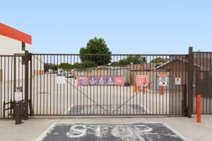 Image of Public Storage - Montebello - 240 E Whittier Blvd Facility on 240 E Whittier Blvd  in Montebello, CA - View 4