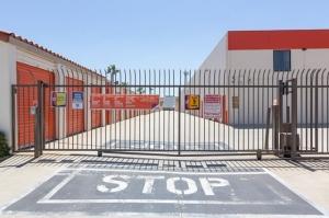Public Storage - Duarte - 2340 Central Ave - Photo 4