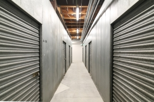 Public Storage - Los Angeles - 6007 Venice Blvd - Photo 2