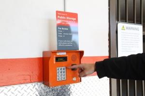 Public Storage - Los Angeles - 6007 Venice Blvd - Photo 5