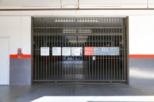 Image of Public Storage - Los Angeles - 6007 Venice Blvd Facility on 6007 Venice Blvd  in Los Angeles, CA - View 4