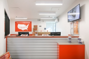 Image of Public Storage - Los Angeles - 6007 Venice Blvd Facility on 6007 Venice Blvd  in Los Angeles, CA - View 3