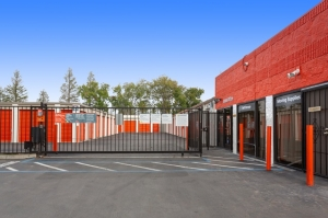 Image of Public Storage - San Jose - 3620 Snell Ave Facility on 3620 Snell Ave  in San Jose, CA - View 4