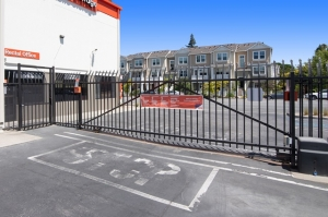 Image of Public Storage - Mountain View - 830 N Rengstorff Ave Facility on 830 N Rengstorff Ave  in Mountain View, CA - View 4