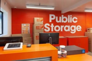 Public Storage - West Hollywood - 6801 Santa Monica Blvd - Photo 3