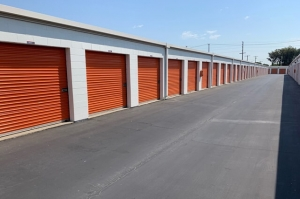 Image of Public Storage - Wilmington - 501 E Pacific Coast Hwy Facility on 501 E Pacific Coast Hwy  in Wilmington, CA - View 2