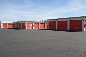 Picture of Public Storage - Sacramento - 1940 Howe Ave