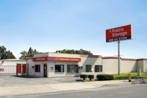 Public Storage - Carson - 1421 E Del Amo Blvd - Photo 1