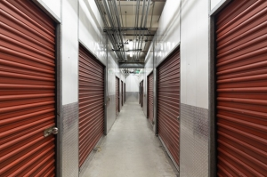 Public Storage - Los Angeles - 1606 Cotner Ave - Photo 2