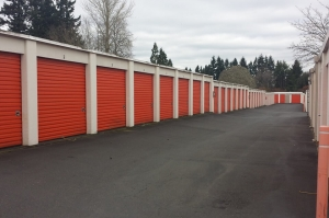 Image of Public Storage - Tigard - 13473 SW Pacific Hwy Facility on 13473 SW Pacific Hwy  in Tigard, OR - View 2