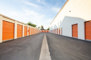 Public Storage - Costa Mesa - 2075 Newport Blvd - Photo 2