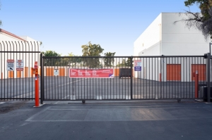 Public Storage - Costa Mesa - 2075 Newport Blvd - Photo 4