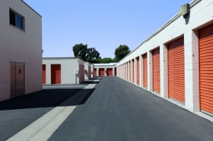 Public Storage - Santa Clarita - 26053 Bouquet Canyon Rd - Photo 2