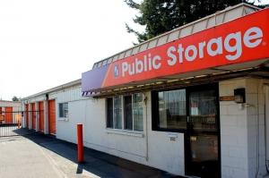 Image of Public Storage - Portland - 8928 NE Halsey Street Facility at 8928 NE Halsey Street  Portland, OR