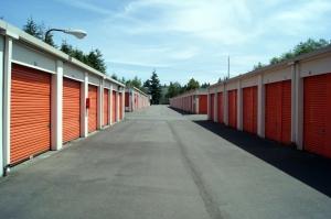 Image of Public Storage - Lynnwood - 5200 180th Street SW Facility on 5200 180th Street SW  in Lynnwood, WA - View 2