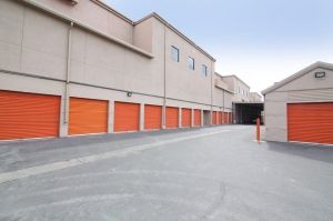 Image of Public Storage - Sunnyvale - 1060 Stewart Drive Facility on 1060 Stewart Drive  in Sunnyvale, CA - View 2