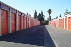Public Storage - Sacramento - 1820 Frienza Ave - Photo 2