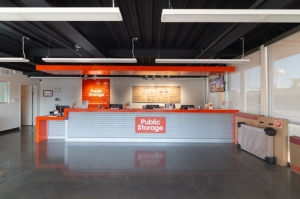 Image of Public Storage - Huntington Park - 6911 S Alameda St Facility on 6911 S Alameda St  in Huntington Park, CA - View 3