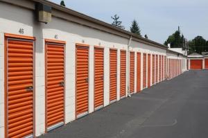 Image of Public Storage - Milwaukie - 13325 SE McLoughlin Blvd Facility on 13325 SE McLoughlin Blvd  in Milwaukie, OR - View 2