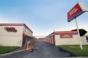 Public Storage - Inglewood - 10833 S Prairie Ave - Photo 1