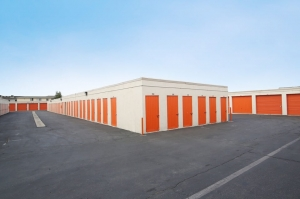 Public Storage - Inglewood - 10833 S Prairie Ave - Photo 2