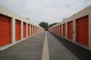 Public Storage - Canoga Park - 8050 Deering Ave - Photo 2