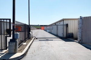 Public Storage - Tracy - 300 E Larch Road - Photo 4