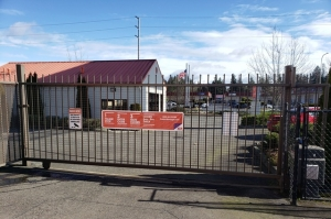 Image of Public Storage - Federal Way - 32615 Pacific Hwy S Facility on 32615 Pacific Hwy S  in Federal Way, WA - View 4