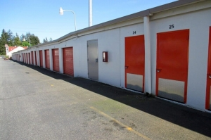 Image of Public Storage - Lynnwood - 18926 Highway 99 Facility on 18926 Highway 99  in Lynnwood, WA - View 2