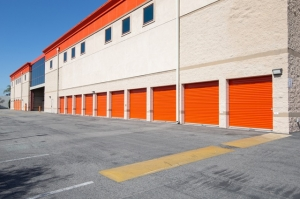 Image of Public Storage - Burbank - 2240 N Hollywood Way Facility on 2240 N Hollywood Way  in Burbank, CA - View 2