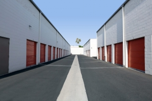 Public Storage - Anaheim - 130 S Knott Ave - Photo 2