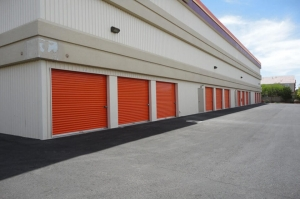 Image of Public Storage - Las Vegas - 6596 Boulder Hwy Facility on 6596 Boulder Hwy  in Las Vegas, NV - View 2