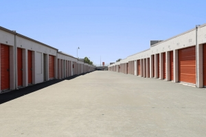Image of Public Storage - Sun Valley - 7880 San Fernando Rd Facility on 7880 San Fernando Rd  in Sun Valley, CA - View 2