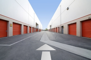 Public Storage - Torrance - 380 Crenshaw Blvd - Photo 2