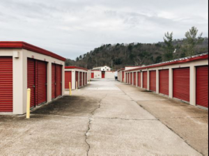 Image of Storage Rentals of America - Chattanooga - Commercial Ln Facility on 600 Commercial Lane  in Chattanooga, TN - View 3