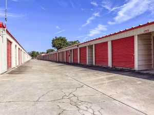 Image of Storage Rentals of America - Azalea Park Facility on 7200 Old Cheney Highway  in Orlando, FL - View 3