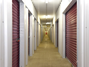 Image of Storage Rentals of America - Waterford Facility on 6535 Highland Road  in Waterford Township, MI - View 4