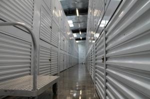 Image of StorQuest - Honolulu / Moonui Facility on 1329 Moonui Street  in Honolulu, HI - View 4