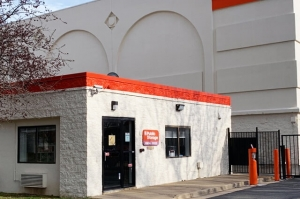 Public Storage - Alexandria - 700 S Pickett Street - Photo 5