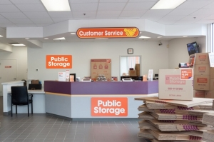 Image of Public Storage - Raleigh - 6921 Glenwood Ave Facility on 6921 Glenwood Ave  in Raleigh, NC - View 3