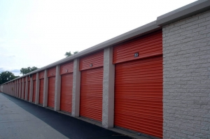 Image of Public Storage - Madison Heights - 29250 John R. Road Facility on 29250 John R. Road  in Madison Heights, MI - View 2
