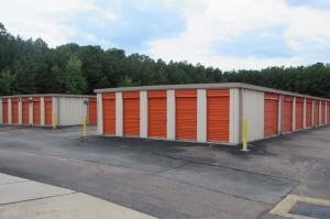 Image of Public Storage - Richmond - 7020 Jefferson Davis Hwy Facility on 7020 Jefferson Davis Hwy  in Richmond, VA - View 2