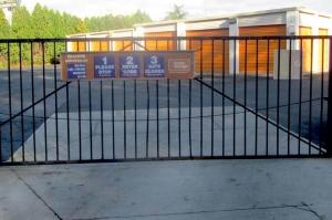 Image of Public Storage - West Haven - 125 Railroad Ave Facility on 125 Railroad Ave  in West Haven, CT - View 4